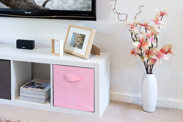 Flexi Storage Clever Cube Fabric Insert Pale Pink fitted inside Clever Cube 1x4 Unit White in living room